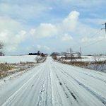 北陸人が体験談で語る!冬の雪道運転のコツ