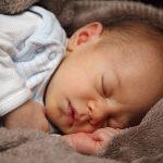 寝ている息子を抱いていると会社に縛られたくない欲望が加速する。