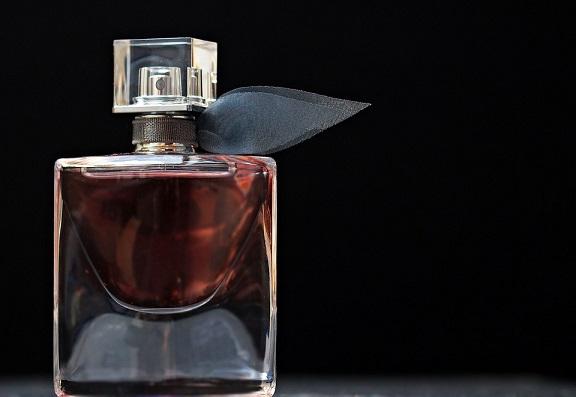 男にとって香水はマストなアイテム