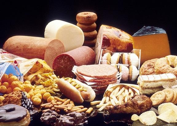 コレステロールを上げる食べ物